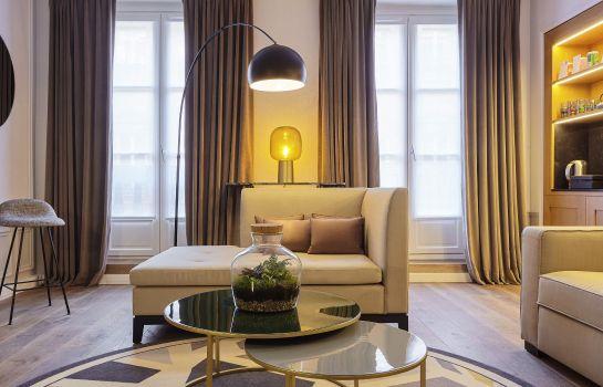 Mon showroom parisien.jpg